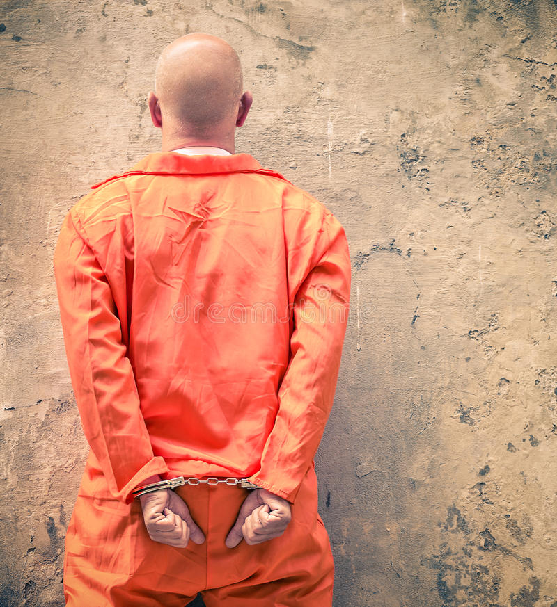 Mit Handschellen gefesselte Gefangene, die auf Todesstrafe warten stockfoto