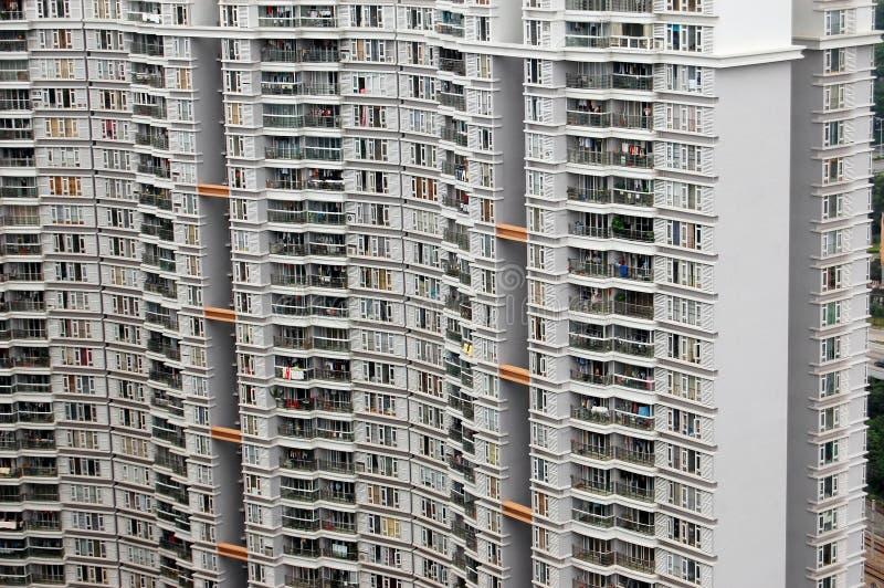 Mit hoher Schreibdichte residental Wohnungen lizenzfreie stockbilder