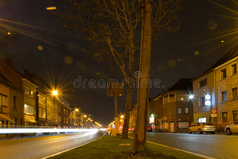 Mit lensflare Konzept spielen, Kreuzungen nightscene lizenzfreie stockfotografie