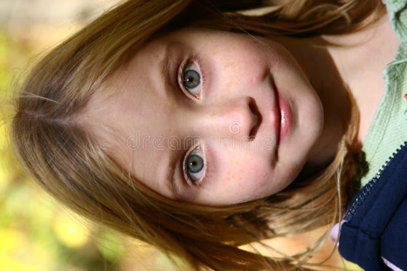 Mit leuchtenden Augen Mädchen lizenzfreie stockbilder