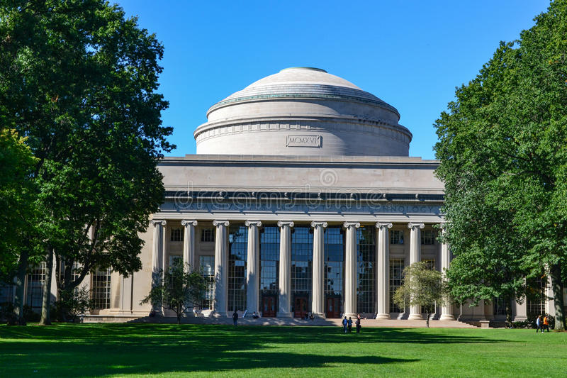 MIT Maclaurin Boston Cambridge Massachusetts de Massachusetts Institute of Technology imagens de stock royalty free