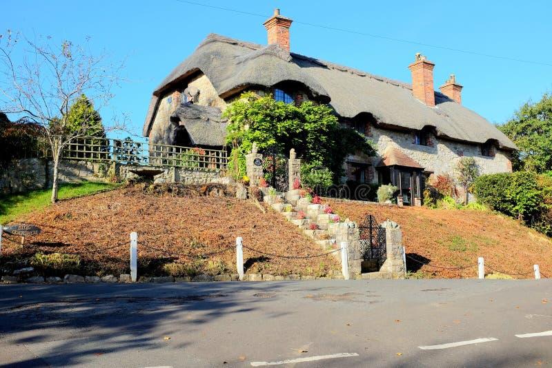 Mit Stroh gedecktes Häuschen, Godshill, Insel von Wight lizenzfreie stockfotos