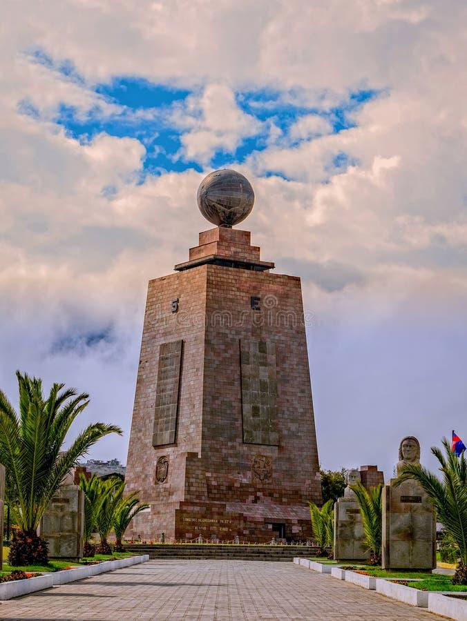 Mitad Del Mundo The 30M Tall Monument, Equateur image stock