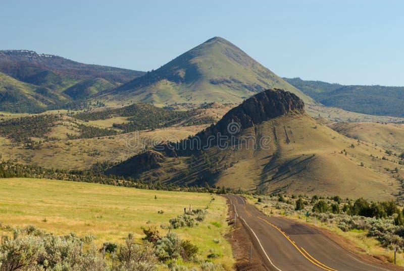 mitchell Орегон хайвея пустыни стоковое изображение