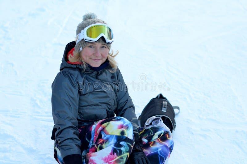 Mitfahrer auf dem Schnee stockfoto