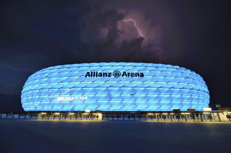 Mitigação acima da arena de Allianz imagens de stock