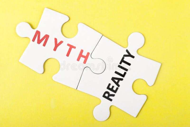 Mito contro realtà immagine stock libera da diritti