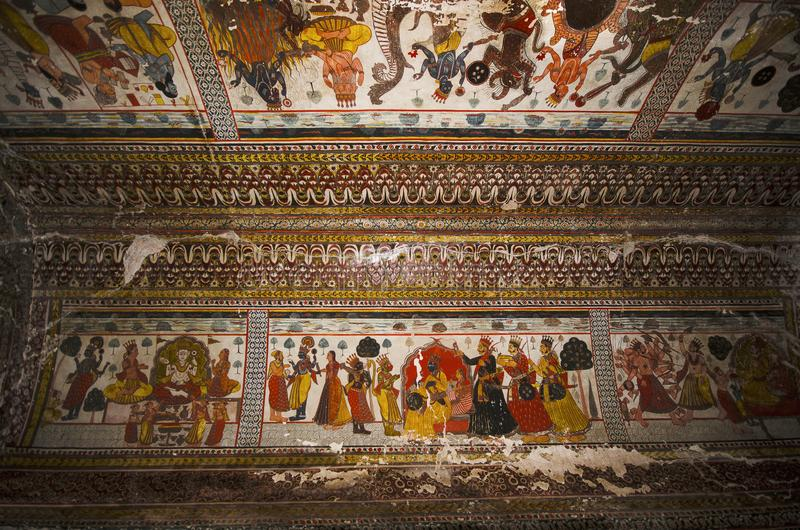 Mitologiczni obrazy na suficie Raj Mahal Orchha pałac fortu kompleks Orchha Madhya Pradesh zdjęcia stock