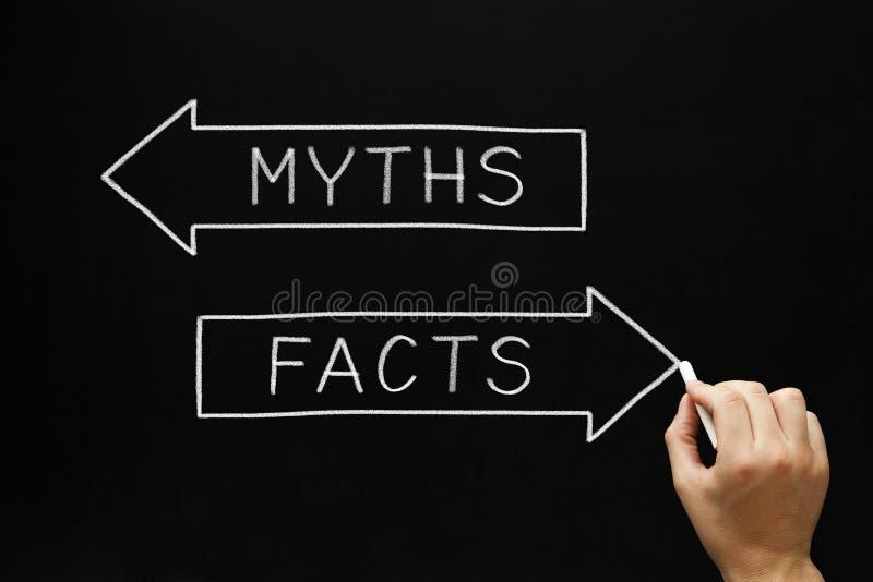 Mitos ou conceito dos fatos imagem de stock