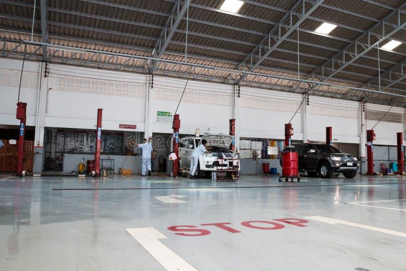 Mitsubishi fahren Tankstelle am 22. August 2015 in Sukhothai lizenzfreies stockbild