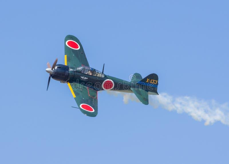 Mitsubishi A6M Zero samolot w locie obrazy stock