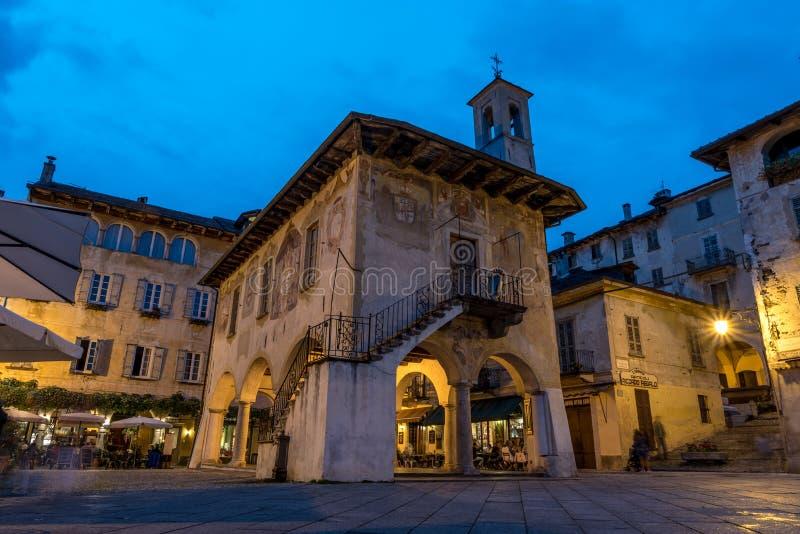 Mitt av Orta San Giulio, Italien royaltyfri fotografi