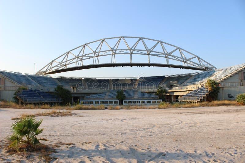 Mitt för Faliro olympisk strandvolleyboll - komplex för OS Faliro för kust- zon 14 år efter sommarolympiska spel av Aten 2004 royaltyfri bild