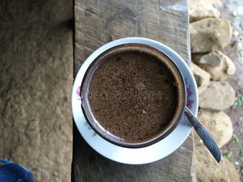 mitt wood kaffe royaltyfria bilder
