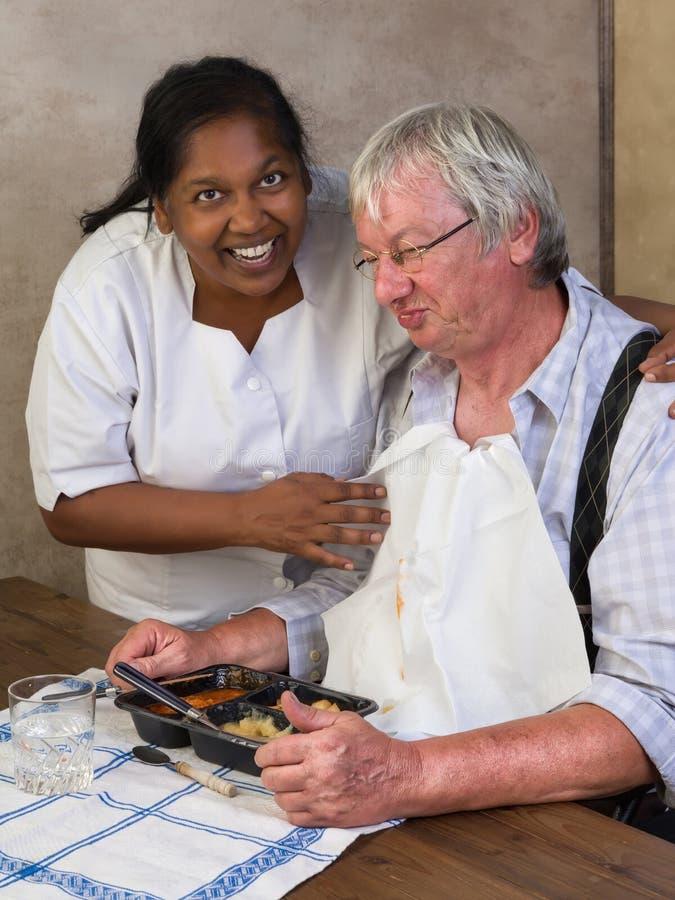 Mittagessen im Pflegeheim lizenzfreies stockbild