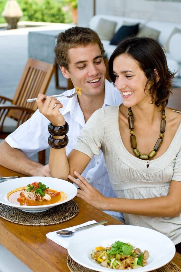 Mittagessen zusammen lizenzfreie stockfotos