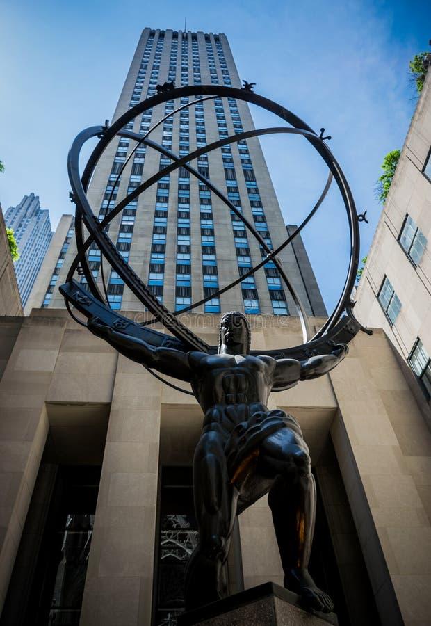 Mitte New York CityRockefeller mit Atlas-Statue lizenzfreie stockfotos