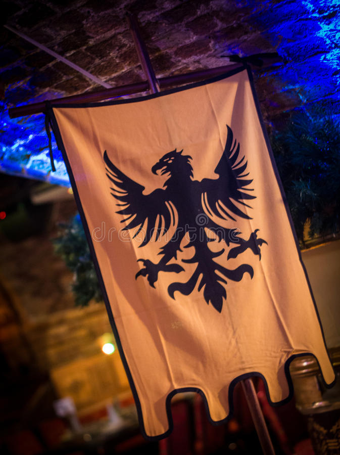 Mittelalterliche Art-Vogel-Fahne stockbilder