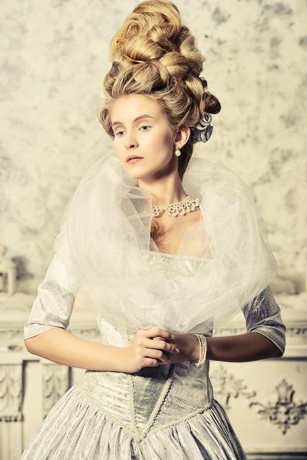 Mittelalterliche Dame stockbild