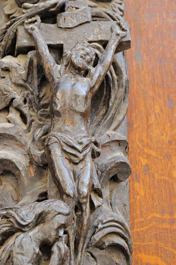 Mittelalterliche Eintragtür der katholischen Kirche lizenzfreie stockfotografie