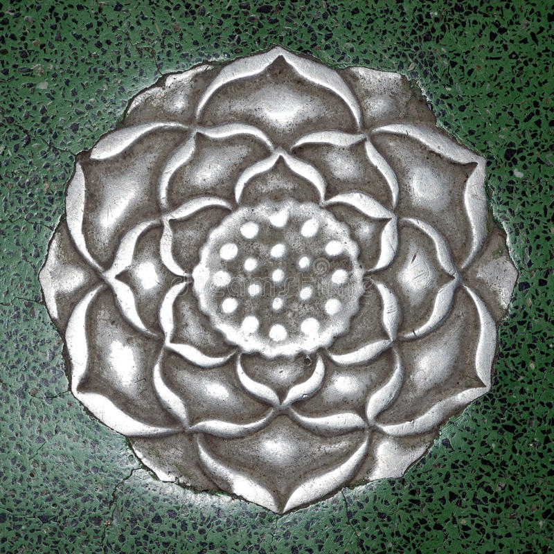Mittelalterliche Handwerksmetallblume, China stockbilder