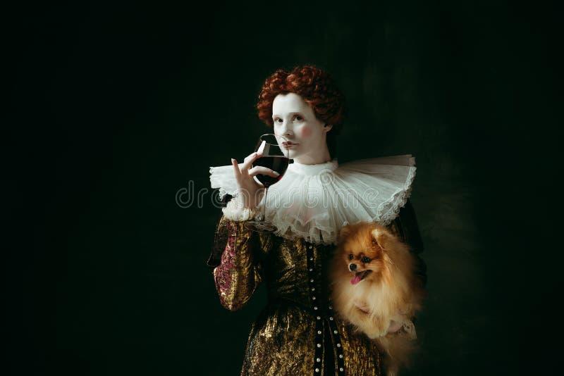 Mittelalterliche junge Frau als Herzogin lizenzfreies stockbild