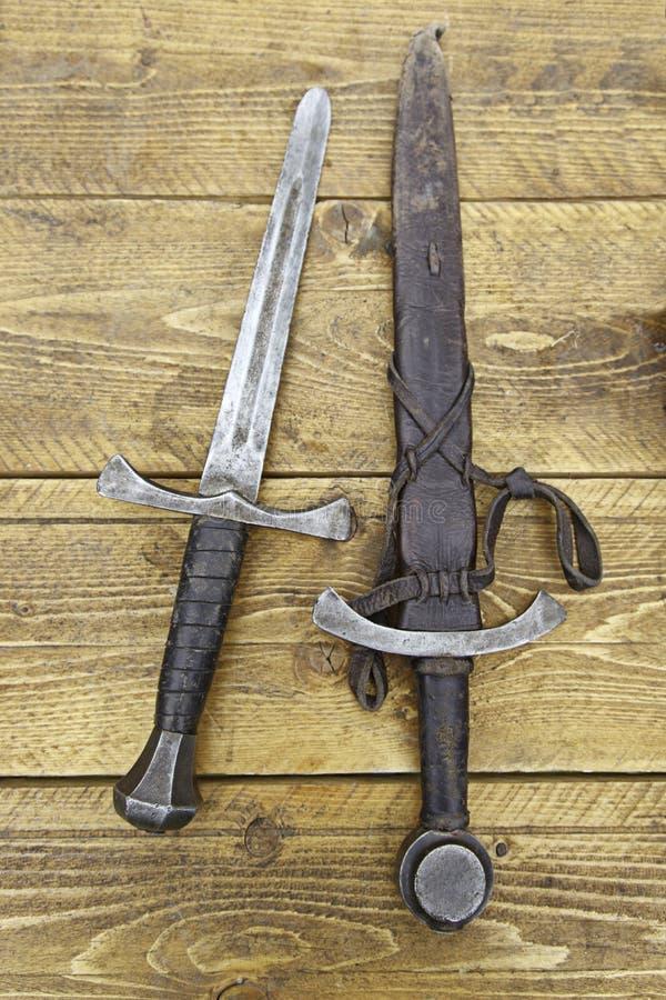 Mittelalterliche Klingen stockfotos