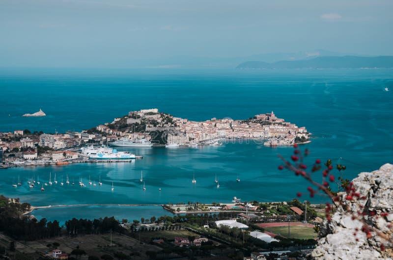 Mittelalterliche Stadt und Hafen Portoferraio, Elba-Insel, Italien lizenzfreies stockfoto