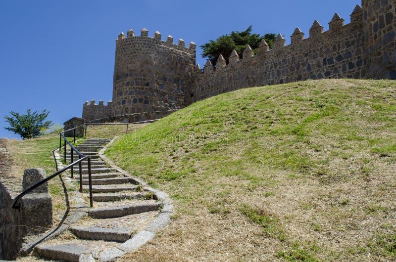 Mittelalterliche Stadtmauern von Avila, Spanien lizenzfreies stockbild