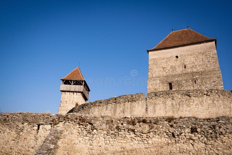 Mittelalterliche Steinwände des Calnic Schlosses stockfotografie