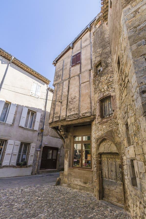 Mittelalterliche Straßen von Lagrasse, Frankreich lizenzfreies stockfoto
