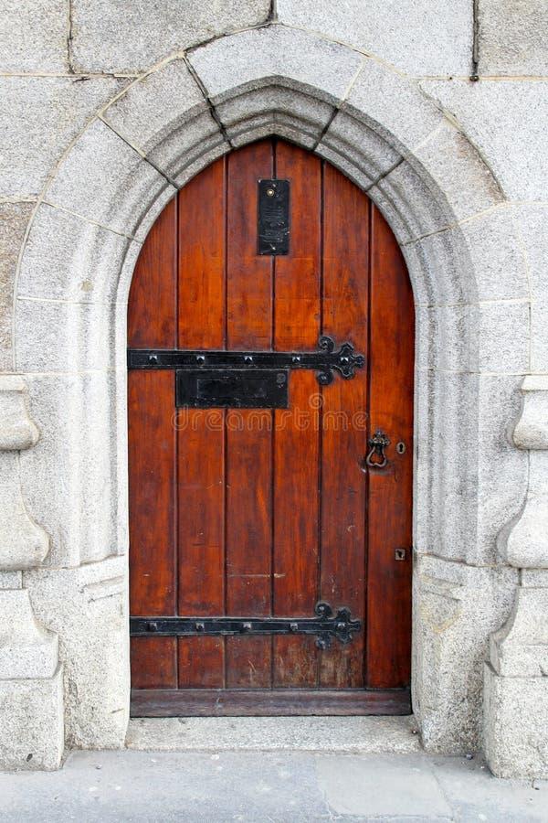 Mittelalterliche Tür stockfotografie
