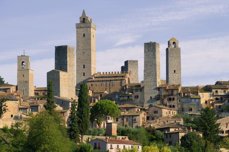Mittelalterliche Türme von San Gimignano nah an einem sonnigen Tag Toskana, Italien stockfotos