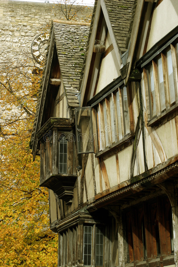 Download Mittelalterliche Terrasse stockfoto. Bild von herbst, halle - 36696
