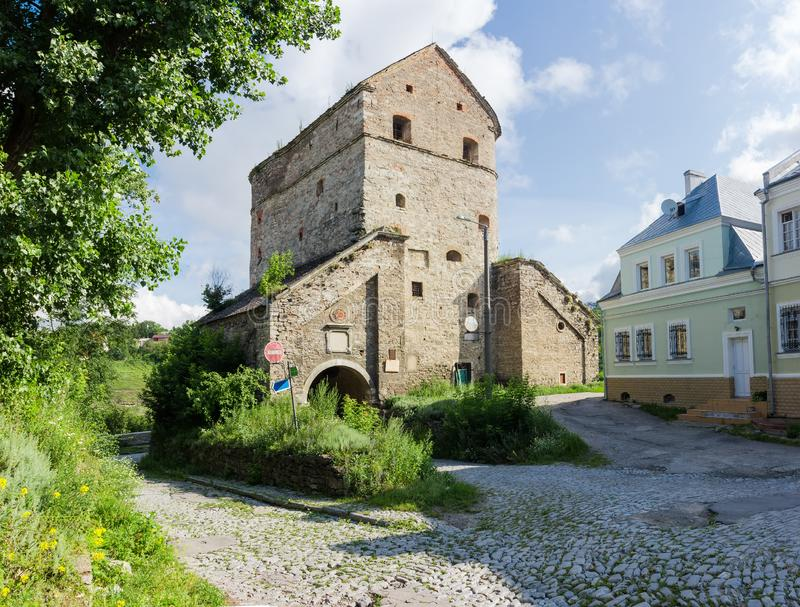 Mittelalterlicher defensiver Stefan Batory Tower in Kamianets-Podilskyistadt, Ukraine stockbild