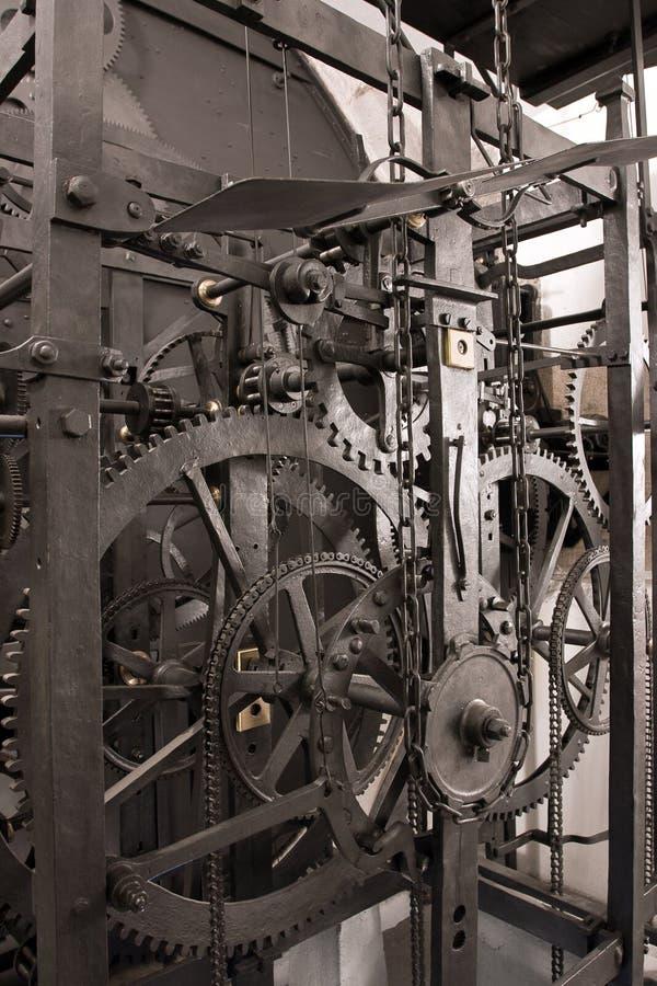 Mittelalterliches astronomisches Borduhrgetriebe - Innenraum stockfotos