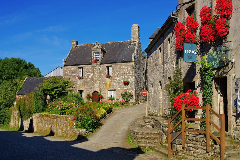 Mittelalterliches Dorf von Locronan, Bretagne stockbild