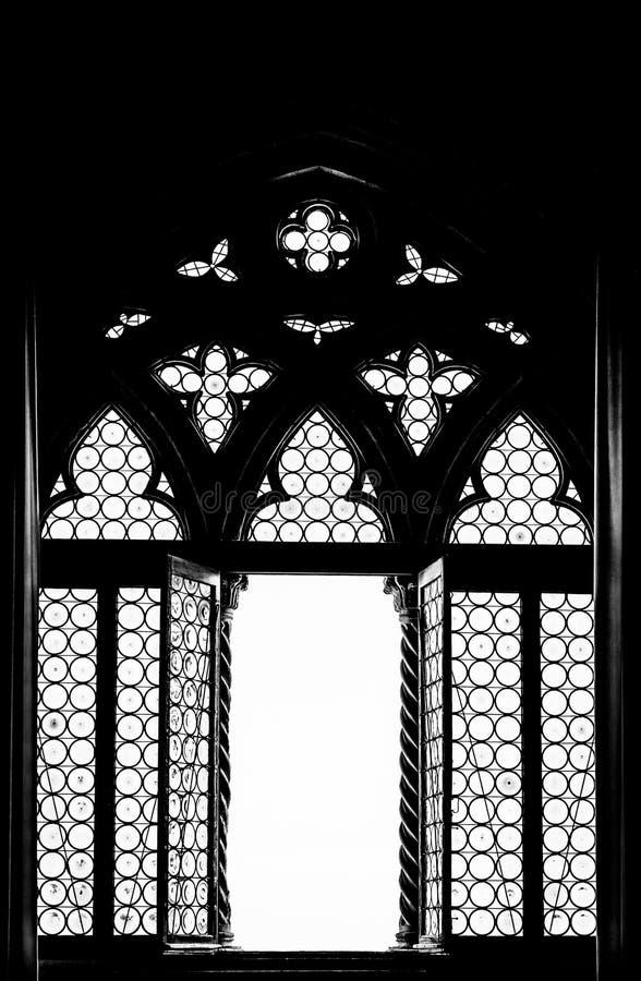 Mittelalterliches Fensterschattenbild stockfoto