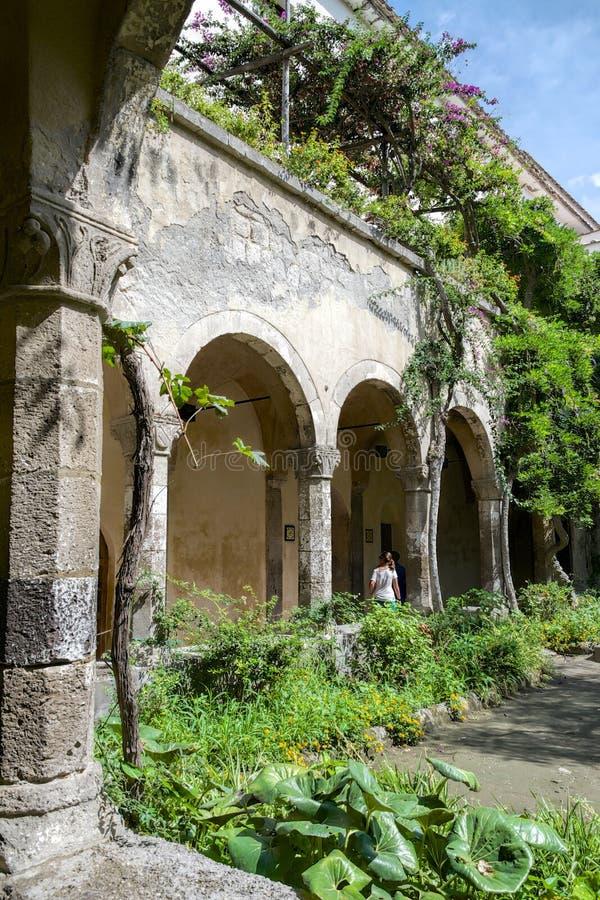 Mittelalterliches Kloster in Sorrent stockfotografie