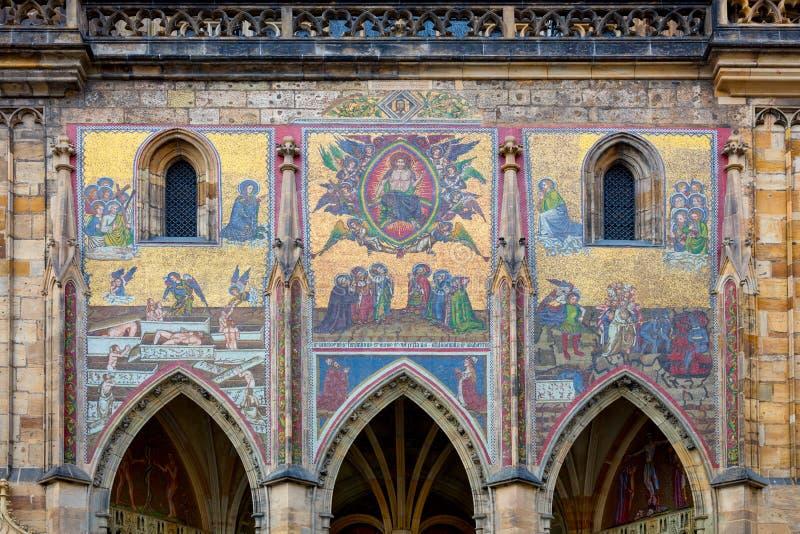 Mittelalterliches Mosaik in Prag, Tscheche, europäischer Markstein stockfotos