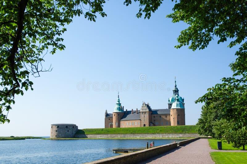 Mittelalterliches Schloss bei Kalmar in Schweden lizenzfreies stockbild
