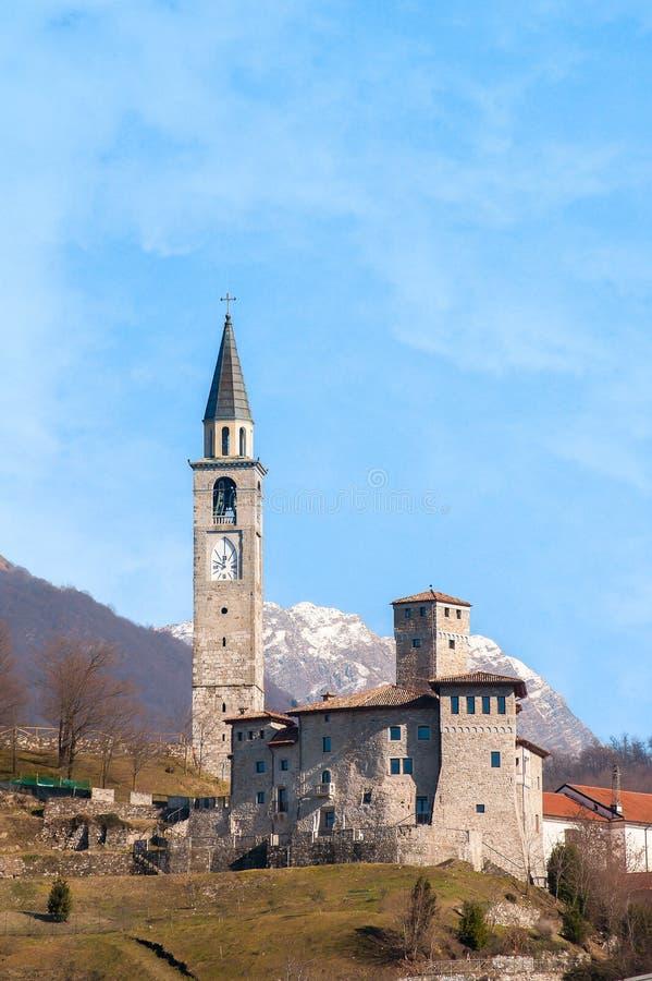 Mittelalterliches Schloss in Italien stockbild