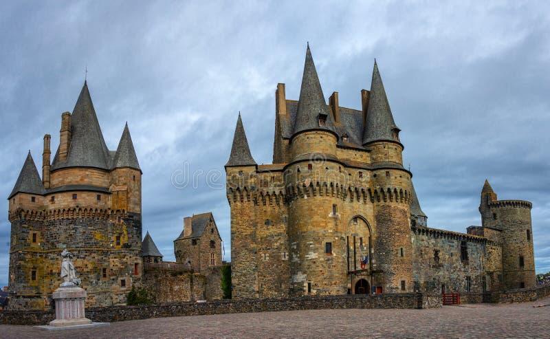 Mittelalterliches Schloss in Vitré, Bretagne, Frankreich lizenzfreie stockbilder