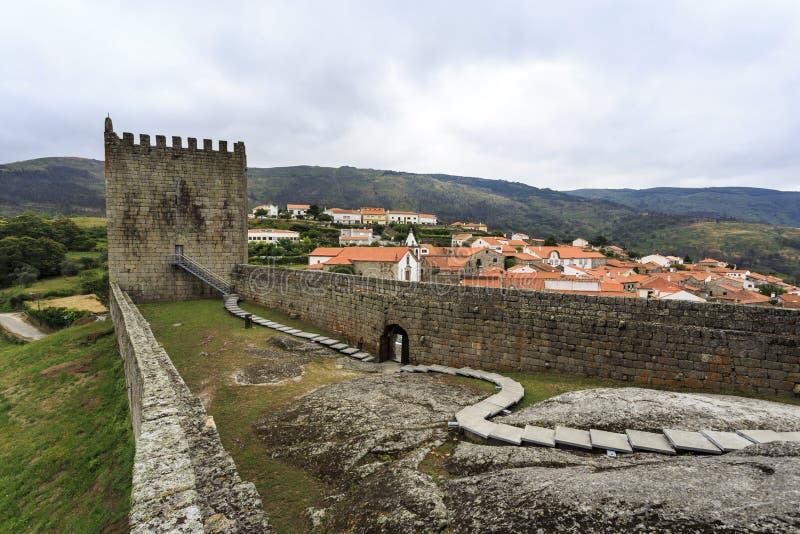 Mittelalterliches Schloss von Linhares DA Beira stockfotografie