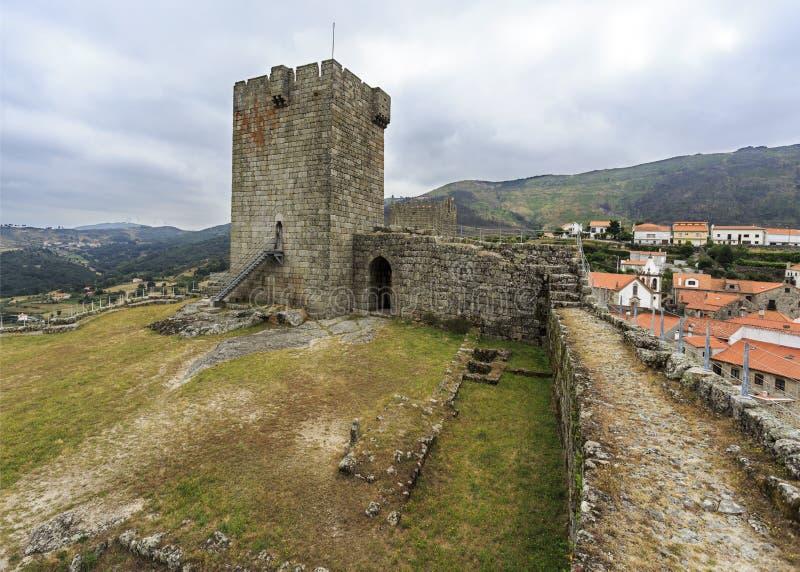 Mittelalterliches Schloss von Linhares DA Beira lizenzfreies stockfoto