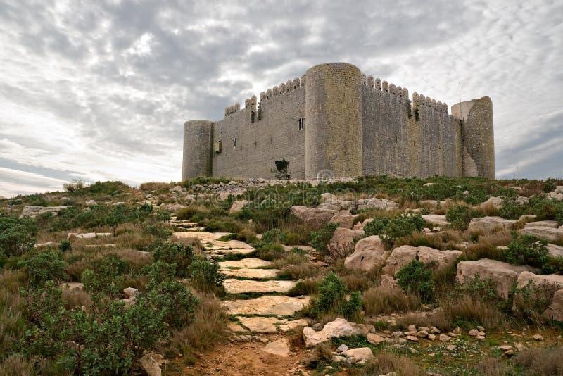 Mittelalterliches Schloss von Torroella de Montgri stockbilder