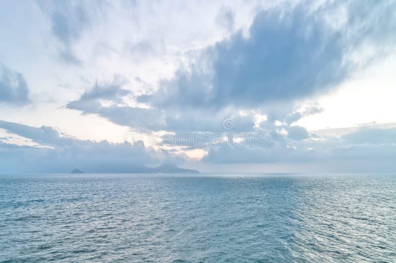 Mittelmeer in Piombino, Toskana - Italien stockbilder