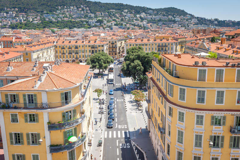 Mittelmeerart von Dächern und von Häusern stockfoto