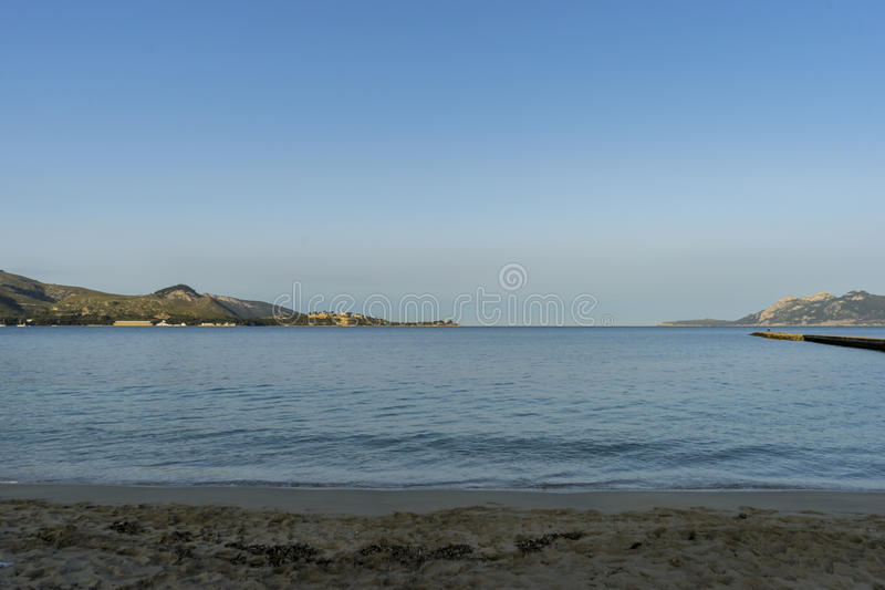 Mittelmeerküste auf der Insel von Ibiza in Spanien, Feiertag a stockfoto