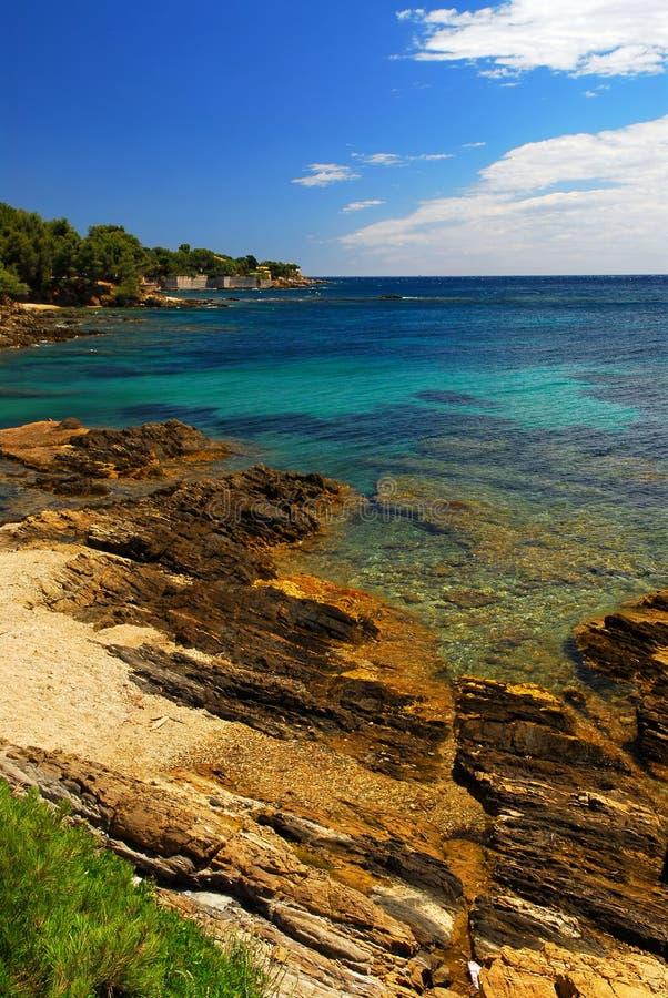 Mittelmeerküste von französischem Riviera stockbilder